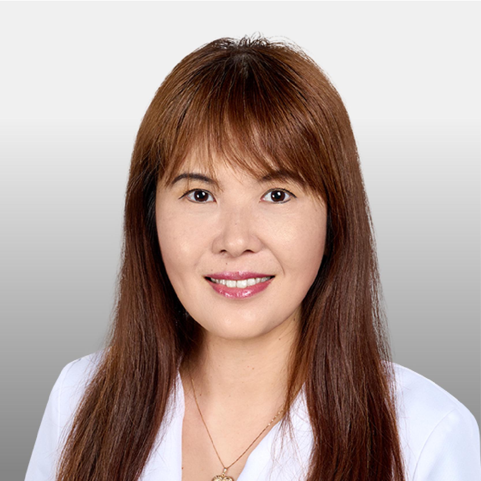 Lucy Li Headshot