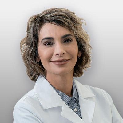 Cynthia Campos Headshot