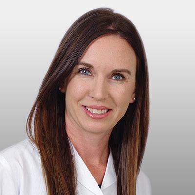 Lindsay Delmont Headshot
