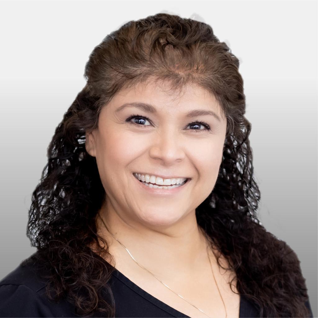 Stephanie Reyes Headshot